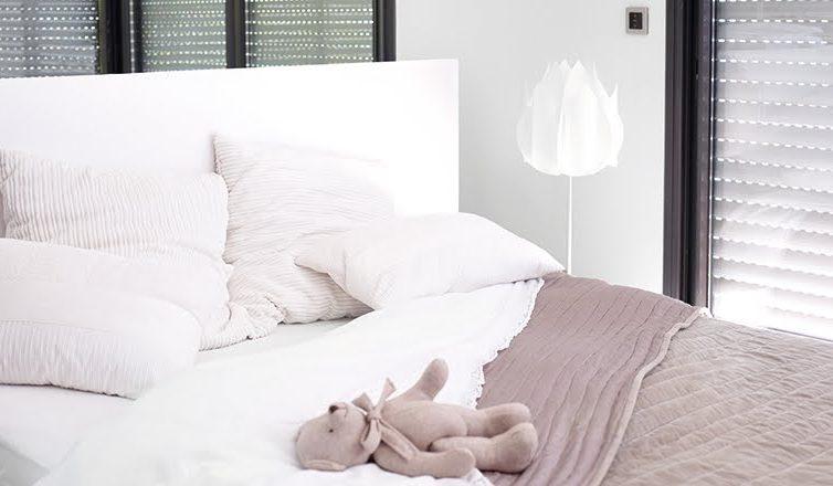 Houd je slaapkamer koel tijdens de warme zomerdagen