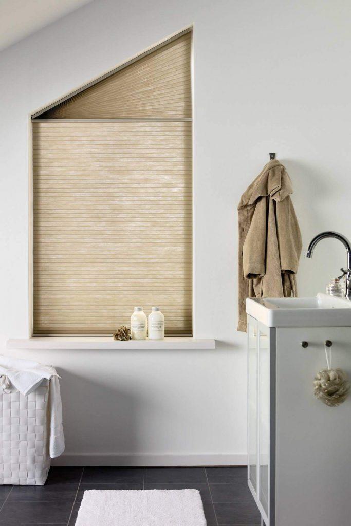 Plisse gordijn badkamer raamdecoratie